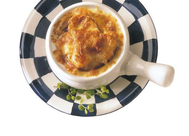Луковый крем-суп рецепт – французская кухня, низкокалорийная.