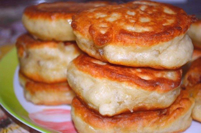 Рецепт пышных оладьев на сметане пошагово